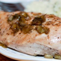 Chicken breast cooked with green onions
