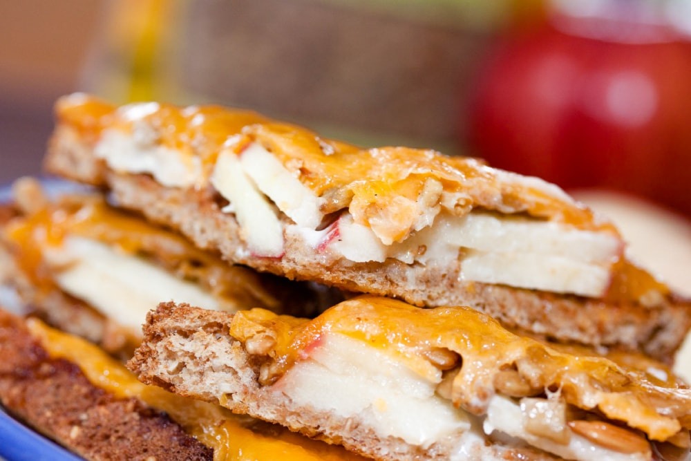 Menus4Moms: Apple Cheddar Melt