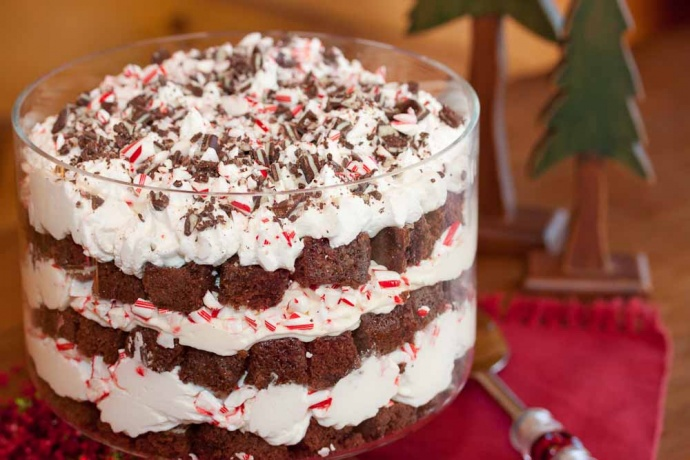 Menus4Moms Christmas Dessert Recipes: Peppermint Brownie Trifle